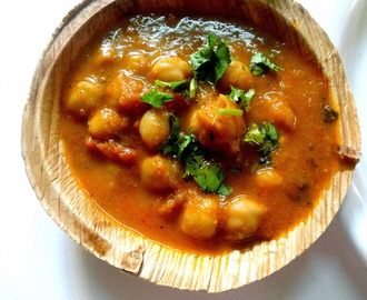 Chole/Chana Masala  ( Punjabi Chole )