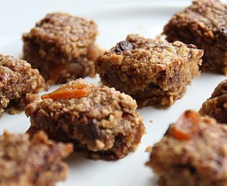 Chilli Chocolate Apricot Flapjacks