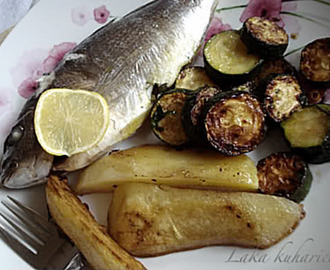 Orada bez puno rada :: Gilt-head bream with courgettes