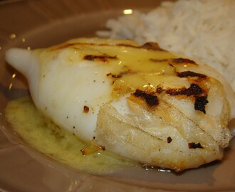 Pota Grelhada com Molho de Manteiga e Limão / Grilled Squid with Lemon and Butter Sauce