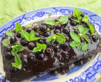 Whole wheat chocolate Blueberry cake  (Cake de chocolate con harina integral y arándanos)