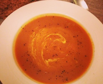 Eat in Season – Autumn. Roast onion squash and smoked paprika soup