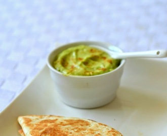 Cheesy,Chicken & Corn Quesadilla with Avocado Dip