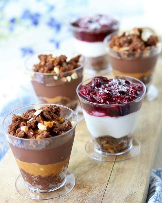 Toetjes! Snickers Mousse en Bounty & Berry Pie in een glaasje - Oh My Pie!