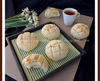 We Knead to Bake # 15 :Eggless Japanese Melon Pan | Crunchy Cookie Covered Bread Rolls