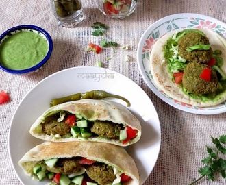 How to Make Falafel Sandwich