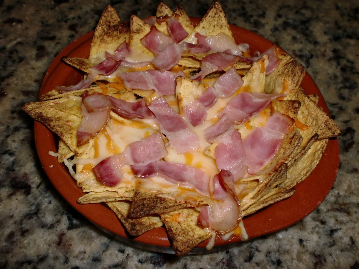 TORTILLA CHIPS CUATRO QUESOS CON BACON