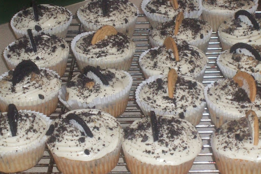 Jen's Cookies and Cream Cupcakes