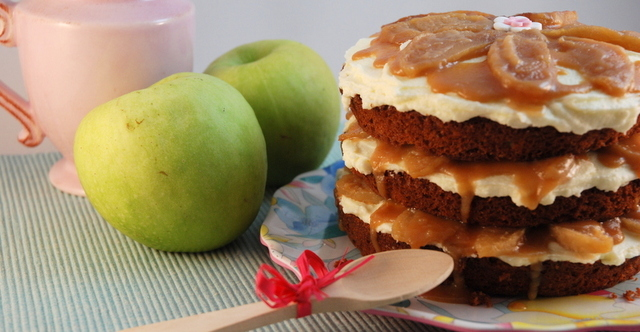 Old Fashioned Apple Caramel Layer Cake ó Tarta de Manzana y Toffee a la antigua