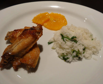 Barbecue chicken wings with parsley and lime rice and orange in medronho liquor // Asas de frango barbecue com arroz de salsa e lima e laranja em licor de medronho