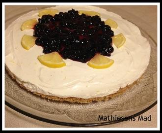 Cheesecake med digestive bund opskrifter - myTaste