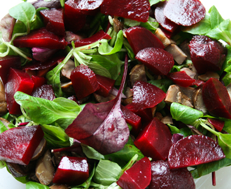 Crunchy Crouton,Beetroot, Chestnut and Ham Salad.