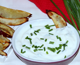 Chives garlic lemon dip