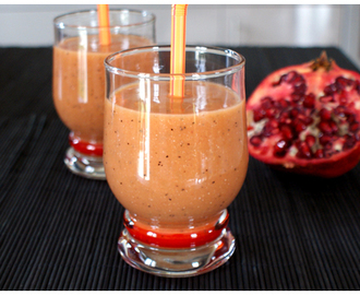 Un smoothie exotico-girly : mangue, grenade et fruits de la passion