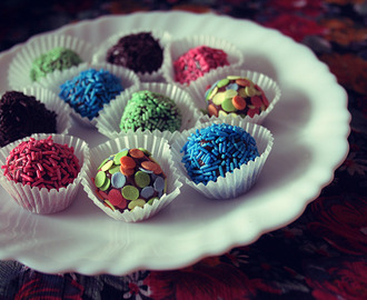 Yummy! // Brigadeiros (chocolate fudge truffles)