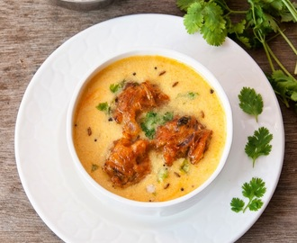 Pakore Wali Kadhi / Onion Fritters in Yogurt Sauce