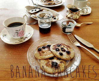 Blueberry banana pancakes with two ingredients (bananenpancakes)