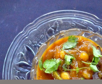Masala Ghugni: Spicy Yellow Peas Curry