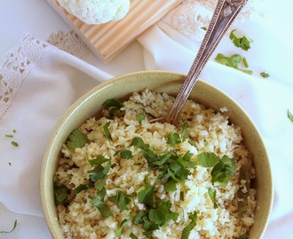 "Arroz fingido de Couve flor (sem gluten, vegan, low carb). Cauliflower ""rice"" (vegan, gluten free, low carb)"