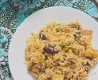 Mushroom paneer fried rice - easy rice varieties for your lunchbox