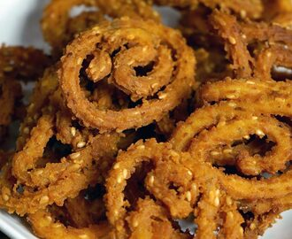 Manjula's Kitchen Chakli (Crispy Rice Snack) Post navigation