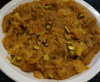 Kesari Seviyan/Vermicelli Halwa with Pineapple and Nuts