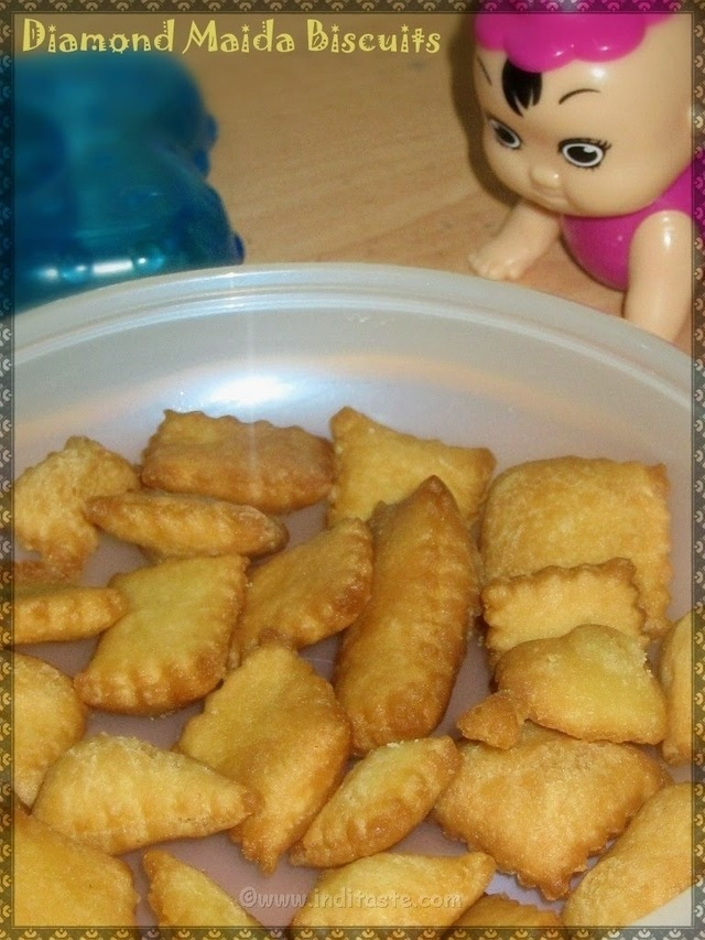 Crunchy Diamond Cut Biscuits | Quick Kids Snack - Sweet Maida Biscuits