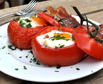 Baked Tomato & Egg Breakfast