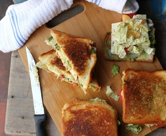 Paneer cheese vegetable sandwich (Juice junction style)
