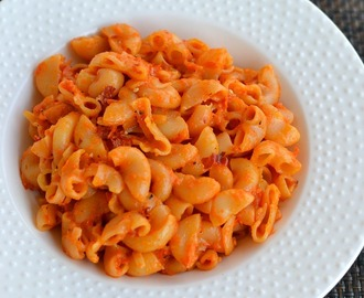 Pasta in Roasted Red Bell Pepper Sauce | Roasted Red Pepper Pasta Recipe | Easy Pasta Recipes For Kids