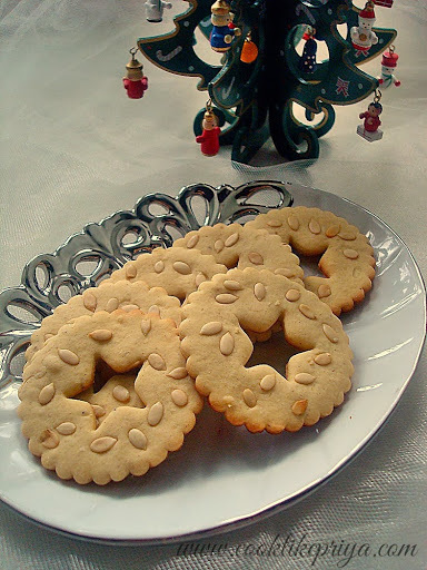Eggless Spiced Sugar Cookies | Christmas Tree Edible Decoration | Eggless Christmas Cookie Recipe
