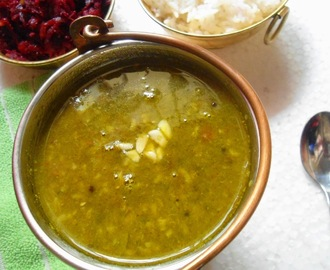 Dal Palak | Spinach in Lentils (With Moong dal)