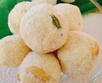 Rava Laddu Recipe / Rava Ladoo – Simple and Easy to make Semolina Ladoo or Sooji ka Ladoo