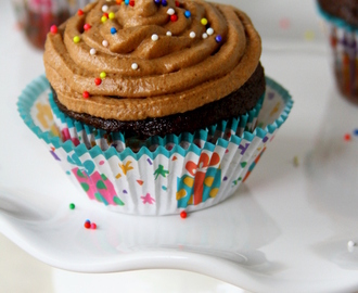 Chocolate Cupcakes With Chocolate Whipped Cream Frosting