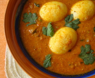 Dimer Dalna: Creamy Egg Curry