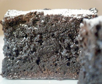 BROWNIE DE CHOCOLATE NEGRO NEGRÍSIMO