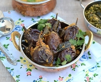 Gutti Vankaya Kura (Dry)-Stuffed Eggplants Curry