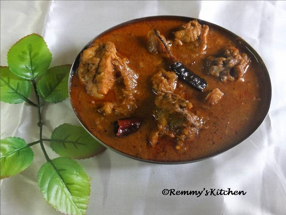 Nadan kozhi curry thengapal ozhichathu / Kerala style spicy chicken curry with coconut milk