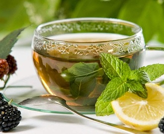 The health benefits and some precautions while consuming green tea