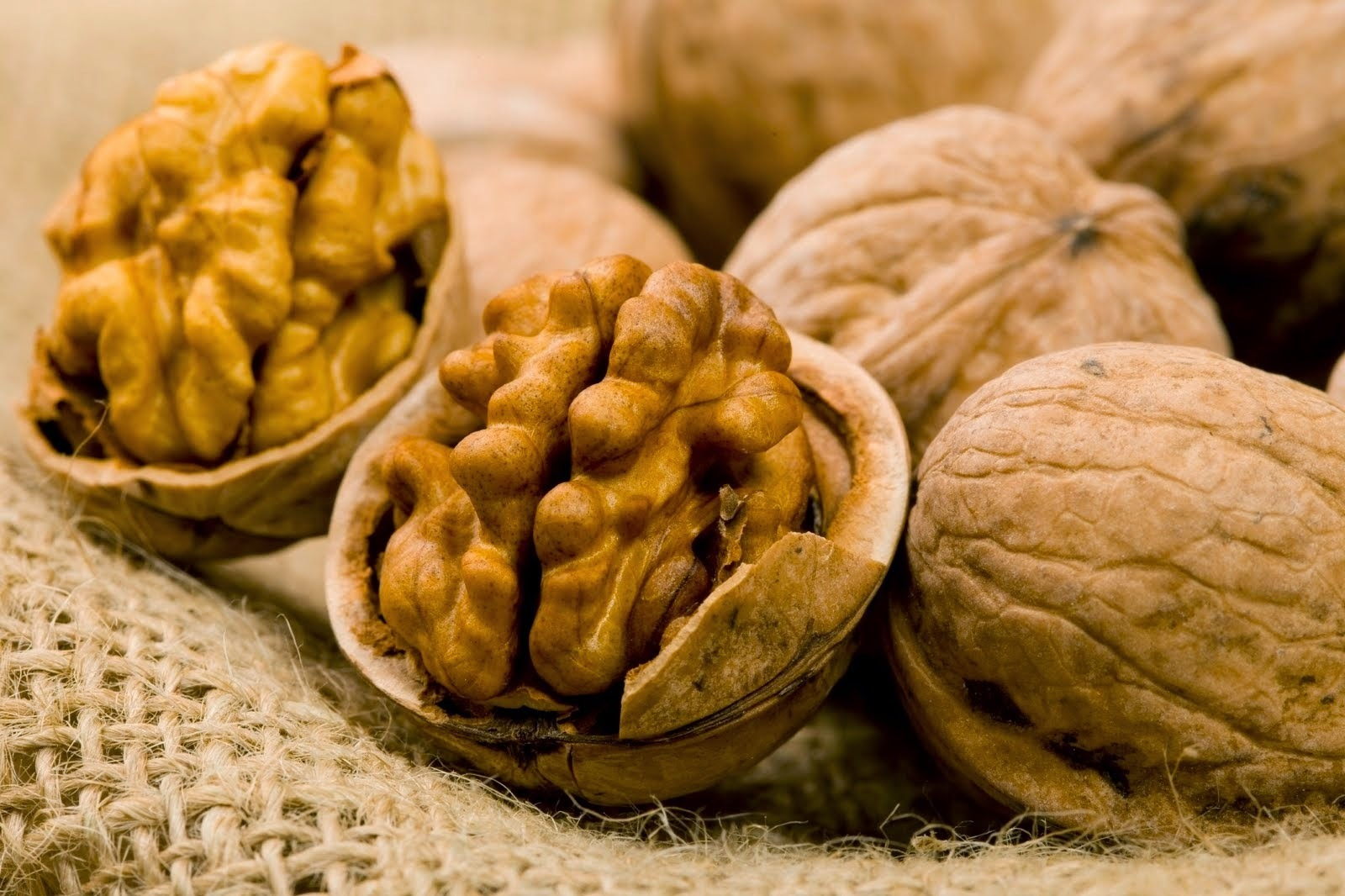 Walnuts- 'The World's most healthiest food'