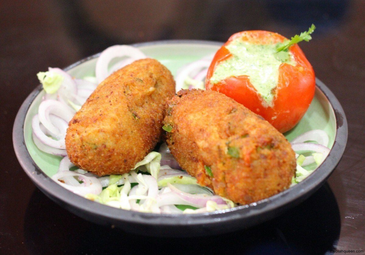 Recipe : Vegetable Cutlet With Cheesy Surprise