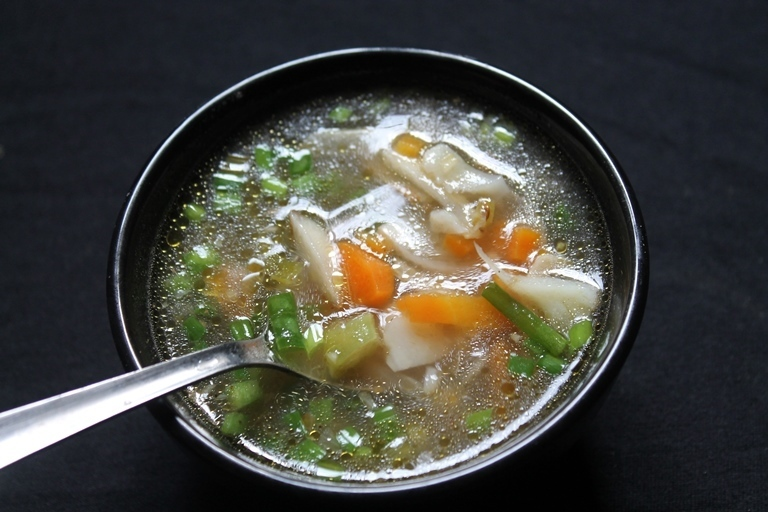 Vegetable Clear Soup Recipe / Veg Clear Soup Recipe