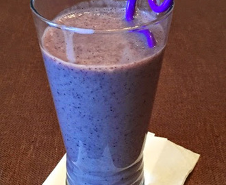 Banana Blueberry Smoothie ~ NutriBullet Shakes