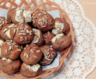 Curd cheese-wholemeal-party buns / Quark-Vollkorn Partybrötchen