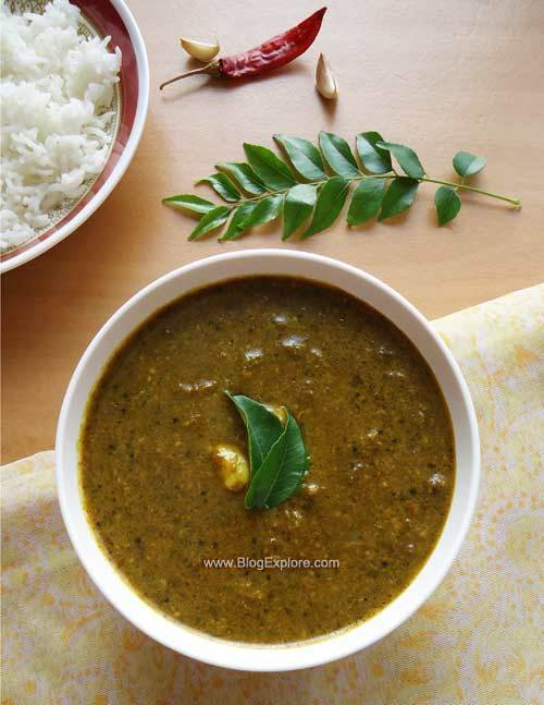Karuveppilai Poondu Kuzhambu / Curry Leaves Garlic Gravy
