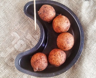 VAZHAIKKAI KOLA URUNDAI I RAW BANANA BALLS I SOUTH INDIAN SNACKS