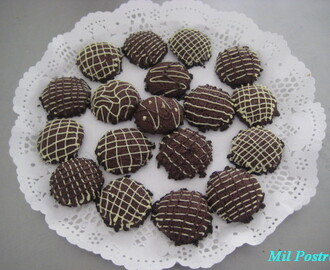 Cursos y galletas de mantequilla y chocolate
