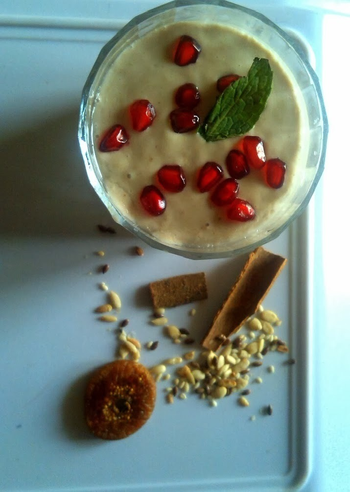 A healthy, power packed smoothie - An ideal way to eat oats