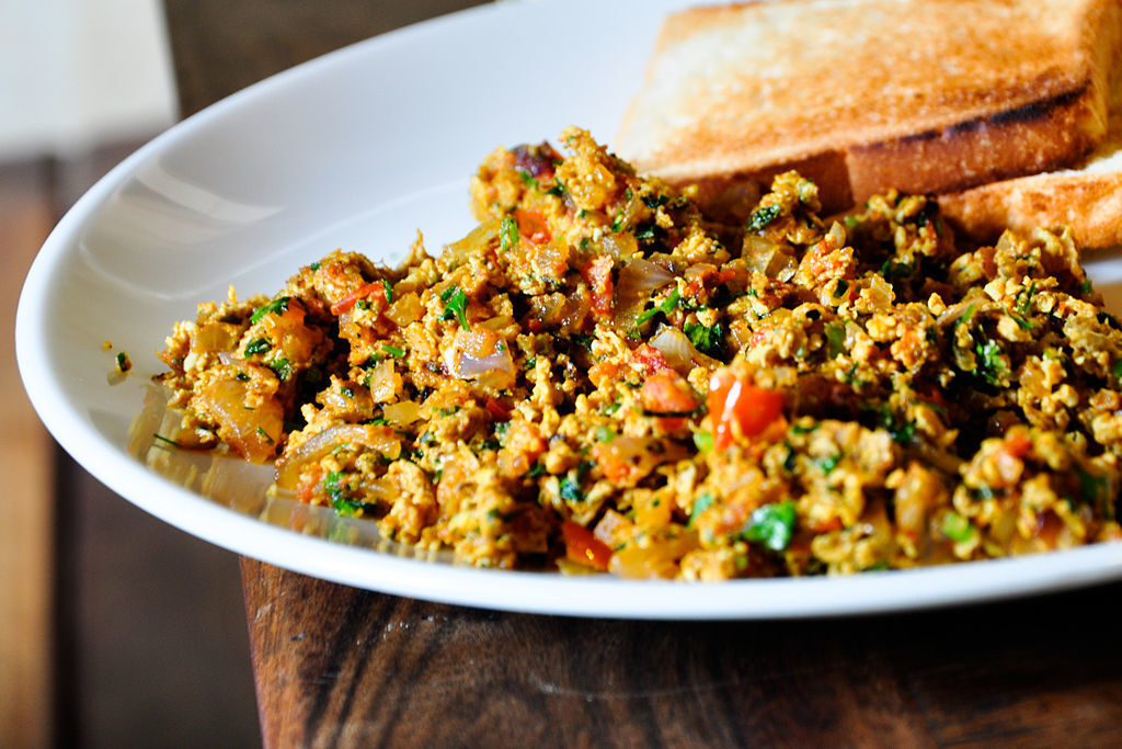 Spicy Anda Bhurji – Indian scrambled eggs