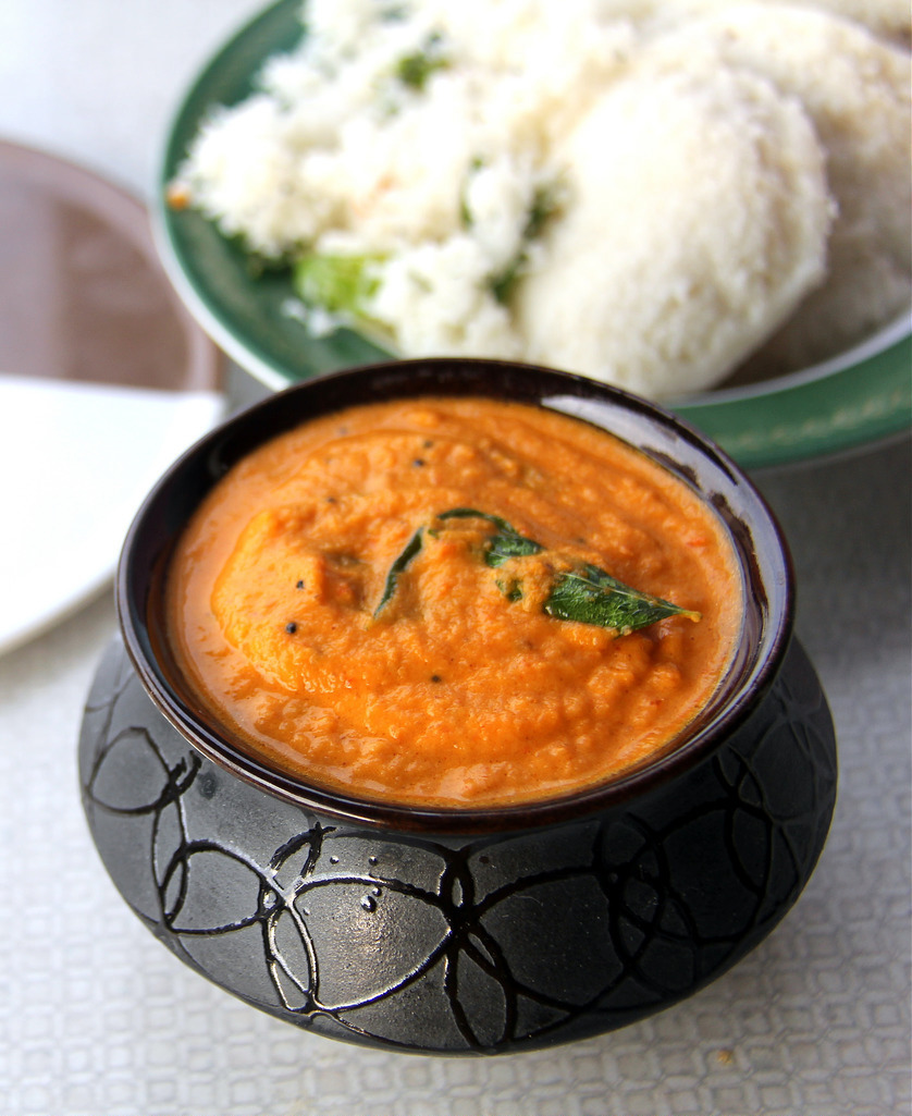 Coconut Onion Tomato Kara Chutney - Simple and tasty chutney for idli, Dosa, paniyaram - Coconut Onion Tomato dip - No Tamarind recipe